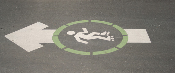 rollerbladers this way sign