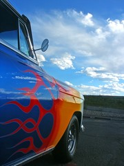Fototapete - Blue American Hotrod With Flames