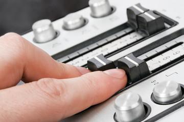 finger sound control-1