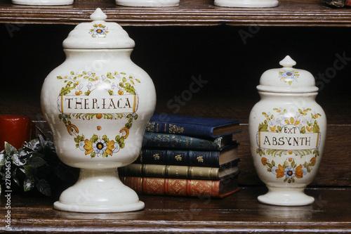 2 pots d 39 apothicaire photo libre de droits sur la banque d 39 images image 2780463. Black Bedroom Furniture Sets. Home Design Ideas
