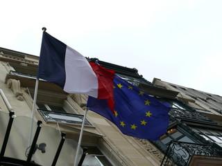 drapeaux flottant.