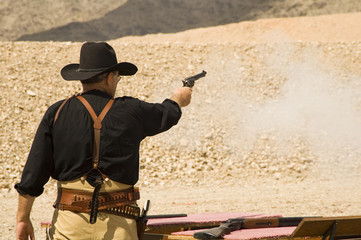 shooting pistol 1