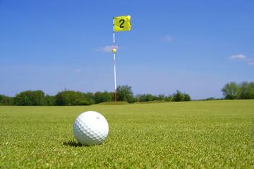 balle de golf sur le green 2