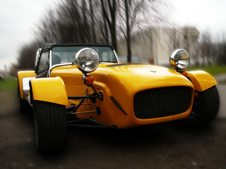 Foto op Canvas Snelle auto s yellow oldtimer1