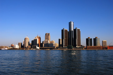 detroit skyline in daytime