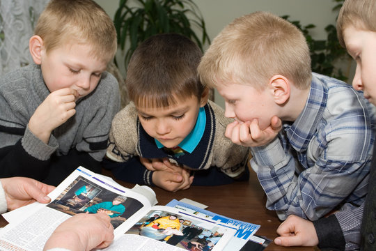 boys behind reading