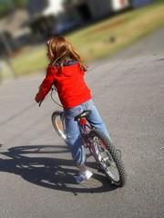 enfant sur bicyclette