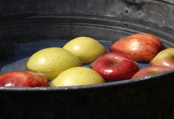 apple pail