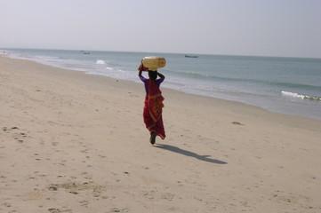 femme indienne a la plage