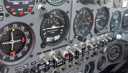 extra 300l airplane instrument panel