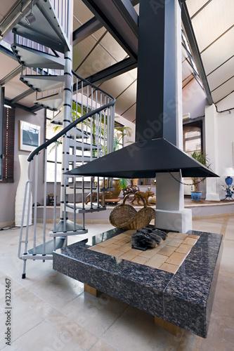 chemin e moderne dans appartement loft bourgeois photo libre de droits sur la banque d 39 images. Black Bedroom Furniture Sets. Home Design Ideas