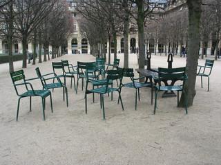chaises parisiennes