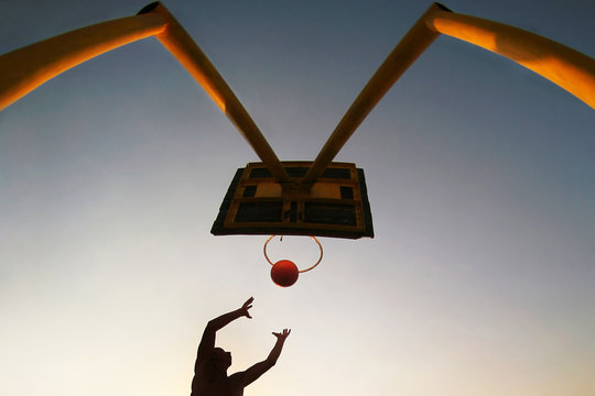 basketball's silhouette
