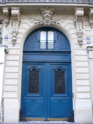 Porte coch re bleue 37 39 paris photo libre de droits sur la banque d 39 images - Fourriere porte pouchet paris 17 ...