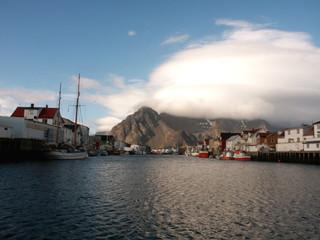 boats, mountains & sea