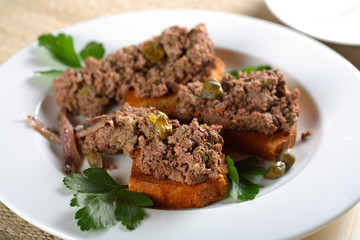 oven liver with parsley