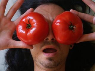 bilder und videos suchen tomaten auf den augen. Black Bedroom Furniture Sets. Home Design Ideas