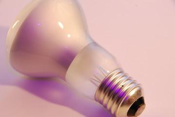 ampoule electrique domestique