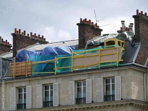 echafaudage sur le toit d 39 un immeuble photo libre de droits sur la banque d 39 images. Black Bedroom Furniture Sets. Home Design Ideas