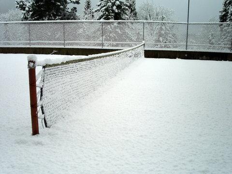 snowing tennis