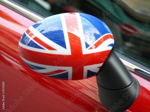 r troviseur anglais sur une voiture rouge photo libre de droits sur la banque d 39 images fotolia. Black Bedroom Furniture Sets. Home Design Ideas
