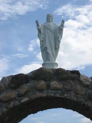 Jesus Christ staue on a arch.
