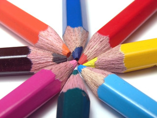 STUDENT COLOR PENCIL