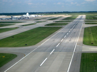 Fotobehang Luchthaven airport runway from the air