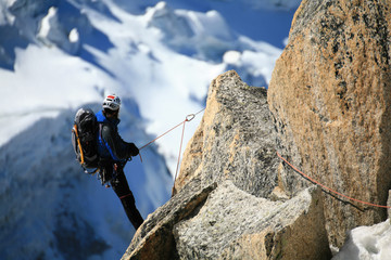 Alpiniste en contemplation