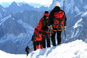 Foto auf Acrylglas Bergsteigen Alpinistes en haute montagne