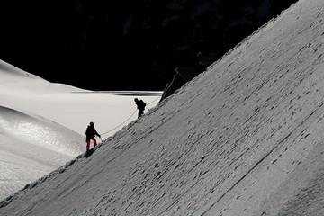 Alpinistes en cordée