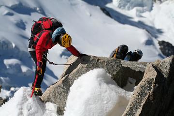 Alpinistes et neige