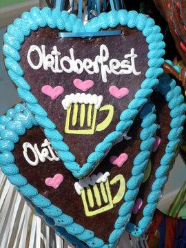 Lebkuchenherzen auf dem Oktoberfest in München