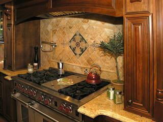 Luxury 5 - Kitchen 1