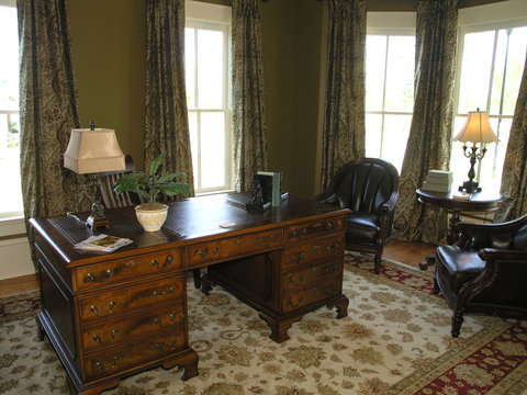 Luxury 5 - Home Office 1