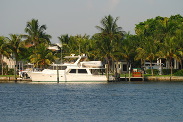 Upscale waterfront homes in Florida