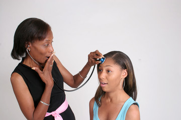 Mother reads mind with stethoscope