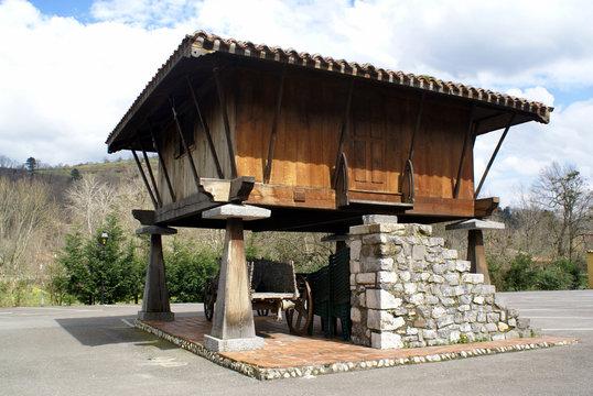 Horreo - CANGAS DE ONIS - Asturias