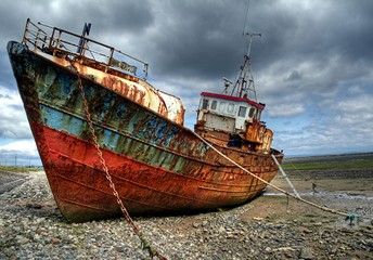 Photo Blinds Shipwreck Trawler on Roa Island Causeway, Barrow in Furness
