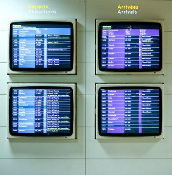 Tableau d'affichage d'aéroport