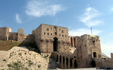 Citadel in Aleppo - gate, mount entranceway and ramparts