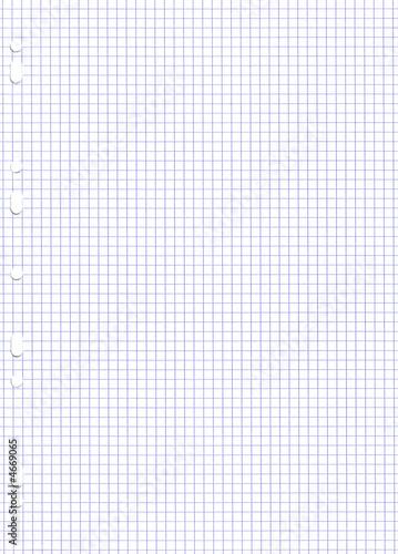Feuille perfor e petits carreaux photo libre de droits for Feuille simple grand carreaux