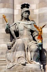 France, paris: Statues of Alexander III bridge