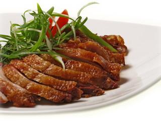 chinesische hongkong ente mit sprossen gemüse