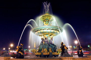 Papiers peints Fontaine Paris. Place de la Concorde: Fountain at night