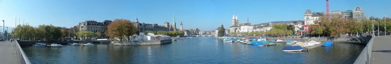 Stadt Zürich Panorama mit Sicht auf Limmat