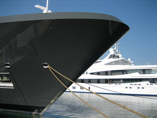 Luxusyachten am Mittelmeer