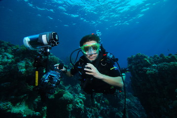 Canvas Prints Diving diver with camera