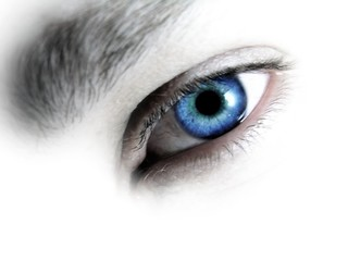eye mazing blue