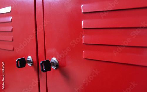 Meuble m tallique rouge photo libre de droits sur la banque d 39 - Meuble metallique rouge ...